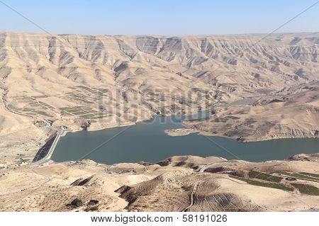 Wadi el Mujib dam and lake