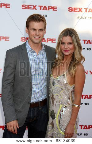 LOS ANGELES - JUL 10:  Tommy Dewey, Valerie Darling at the