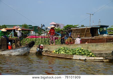 Vendors at the floating market, in Can Tho, Vietnam