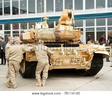 Crew near tank