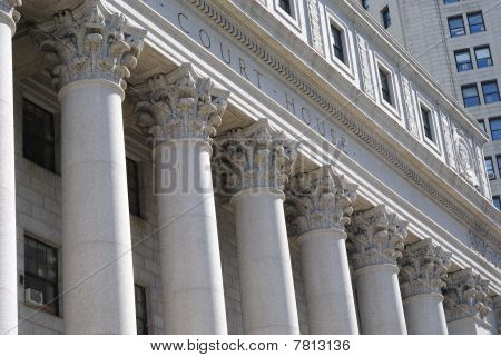 Court House Spalten
