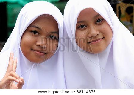 People From Indonesia,  Muslim Girls