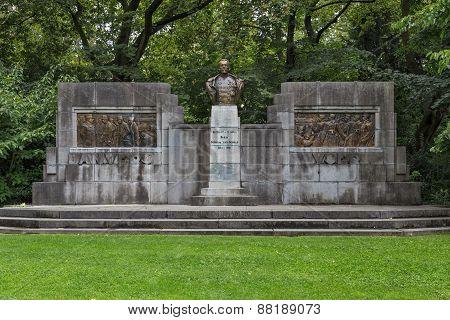 Monument Of Lieutenant General Baron De Saint-georges Dossin