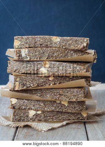 Organic chewy muesli granola power bars