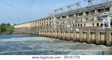 The Bagnell Dam on the Osage River, which forms the Lake of the Ozarks in central Missouri - Stitched from five images