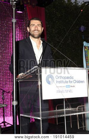 LOS ANGELES - JUN 10: Max Greenfield at the 2017 Stand For Kids Annual Gala Benefiting Orthopedic Institute For Children at The MacArthur on June 10, 2017 in Los Angeles, California