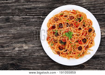 Paghetti With Tomato Sauce, Capers And Olives