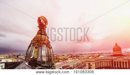 Tower of building of the Company Zinger on Nevsky avenue in Saint-Petersburg, Kazan Cathedral, Staff the apartment Vkontakte VK - russian social network