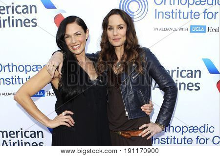 LOS ANGELES - JUN 10: Amanda Righetti, Sarah Wayne Callies at the 2017 Stand For Kids Annual Gala Benefiting Orthopedic Institute For Children at The MacArthur on June 10, 2017 in Los Angeles, CA