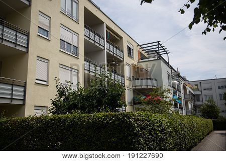 Modern multi-family house with green area, rent, rental