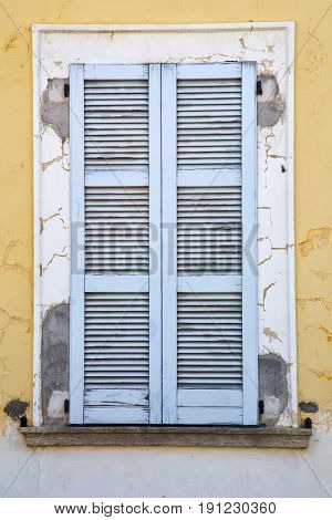 Besnate Window    Italy Abstract      Wood  N The Concrete  Brick