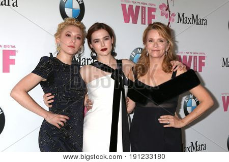 LOS ANGELES - JUN 13:  Madelyn Deutch, Zoey Deutch, Lea Thompson at the Women in Film 2017 Crystal and Lucy Awards at the Beverly Hilton Hotel on June 13, 2017 in Beverly Hills, CA