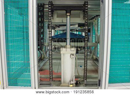Hydraulic conveyor chain line TV assembly chain, equipment,