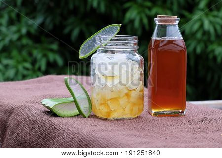 Aloe Vera, Honey For Skin Care