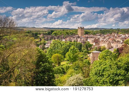 Richmond Town and Castle - The market town of Richmond is sited at the very edge of the North Yorkshire Dales on the banks of River Swale