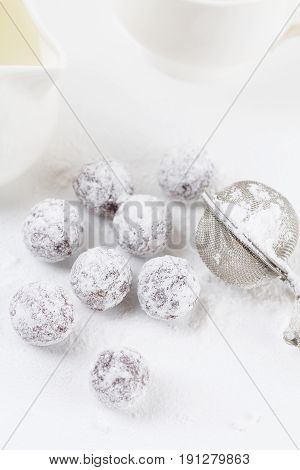 Chocolate Truffles With Shugar Powder