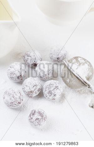 Chocolate Truffles With Shugar Powder