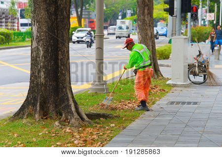 Cleaning Street In Singapore