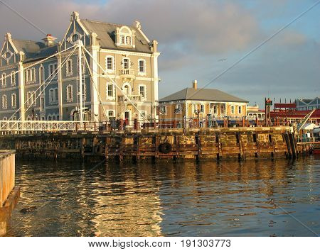 PART OF THE VICTORIA AND ALFRED WATERFRONT, CAPE TOWN, SOUTH AFRICA 24kuht