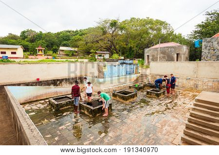 Kanniya Hot Springs, Trincomalee