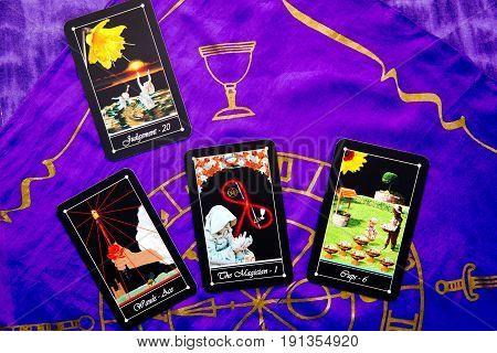 Tarot Deck - Tarot Readings With Purple Silk Reading Cloth