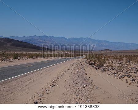 Driving Through The Desert In Death Valley