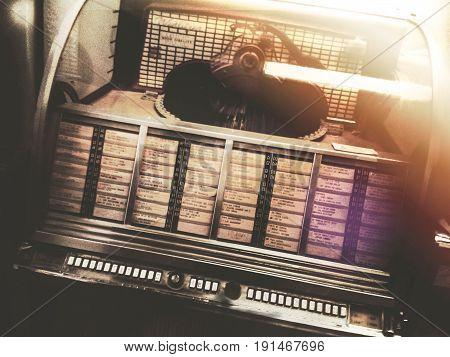 Rockola or disks, music box and distraction