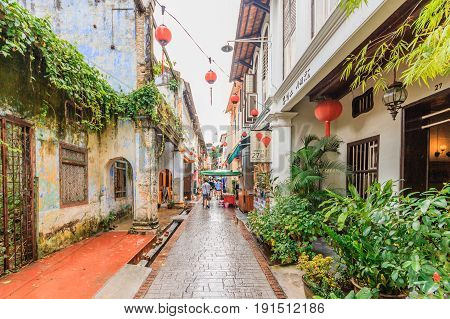 IPOH, PERAK, MALAYSIA - APRIL 14, 2017: Concubine Lane is one of the famous attraction at the old town of Ipoh Perak due its unique vintage buildings and street sellers.