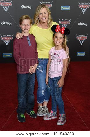 LOS ANGELES - JUN 10:  Alison Sweeney, Benjamin Sanov and Megan Sanov arrives for the
