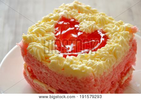 strawberry butter cake decorate red heart for valentine day
