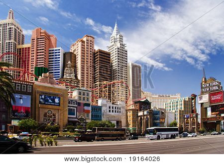 LAS VEGAS – MAY 2: Automobiles and tourist buses travel past the New York, New York Hotel & Casino on May 2, 2007 in Las Vegas. The hotel skyline architecture simulates the real New York City skyline.