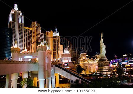 LAS VEGAS - MAY 1: Traffic moves past the New York, New York Hotel & Casino on May 1, 2007 in Las Vegas. The hotel opened on January 3, 1997 as a joint venture of MGM and Primadonna Resorts.
