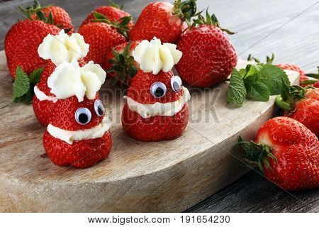 Christmas, Valentines Day Or Mothers Day Strawberry Cream Ideas For Kids - Strawberry Santa, Mascarp