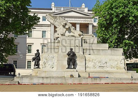 Royal Artillery Memorial, located at the Hyde Park Corner in central London, dedicated to casualties in the Royal Regiment of Artillery in the First World War