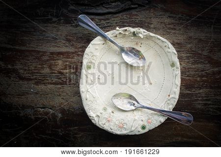 dirty food on dish white after eat all