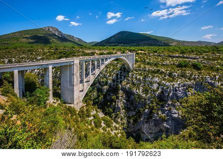 Canyon of Verdon, Provence, France. The largest alpine canyon Verdon. The white pont de Chaulière over the river Artuby from which arranged jumping