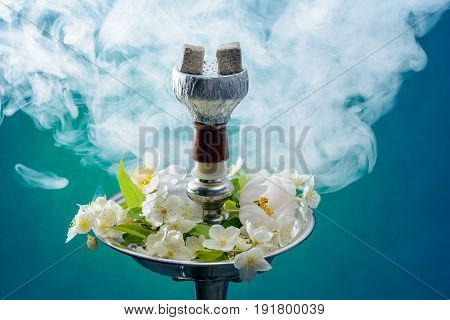 The hookah with the scent of jasmine