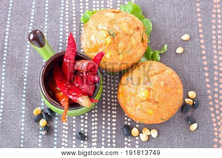 Savory muffins with corn, leek, cheese and pepper.