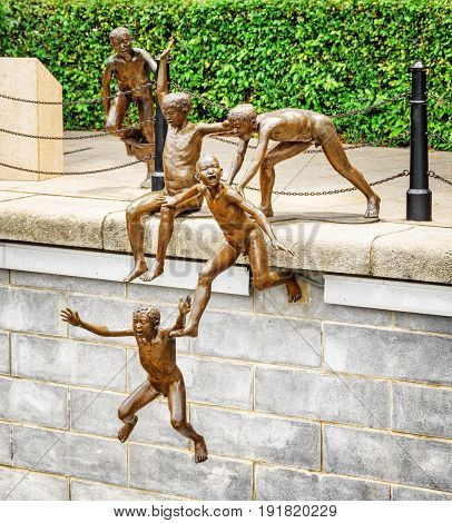 The First Generation. Amazing Bronze Sculpture In Singapore
