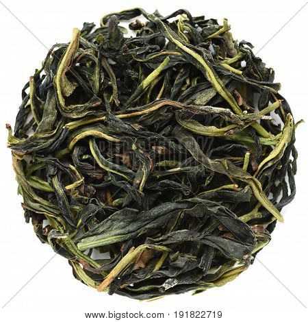 Wu Dong Chou Shi Dan Cong Guandong light roasted oolong isolated
