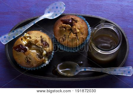 Date toffee muffins with caramel and cream