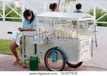 Popcorn Seller On Jacare Beach, Near Cabedelo, Paraiba, Brazil - June 19, 2017 - Joao Pessoa