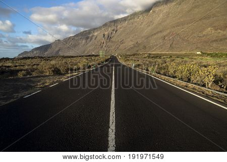 Road To The Mountain Wall