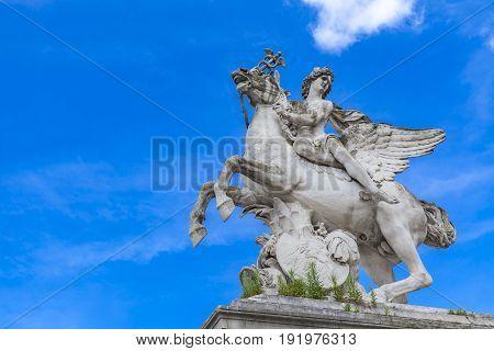 Statue Mercure Monte Sur Pegase In Tuileries Garden In Paris