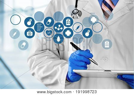 Doctor digital tablet medical care social media computer technology new technology