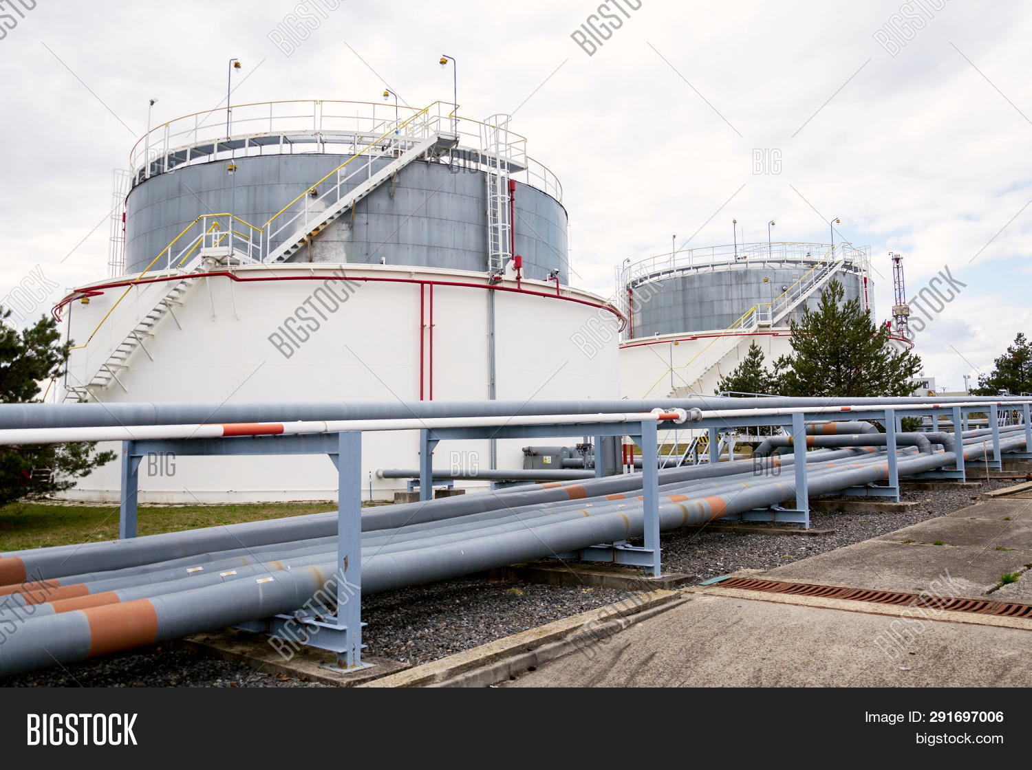 Liquid Fluid Gas Oil Image & Photo (Free Trial) | Bigstock