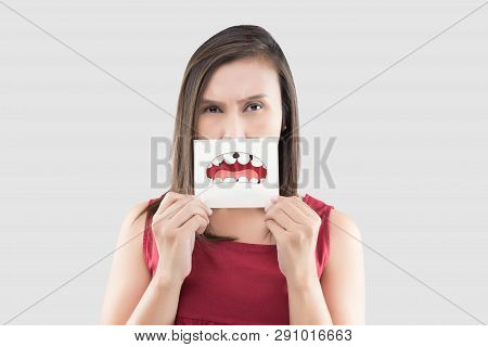 Asian Woman In The Red Shirt Holding A Brown Paper White The Broken Tooth Cartoon Picture Of His Mou