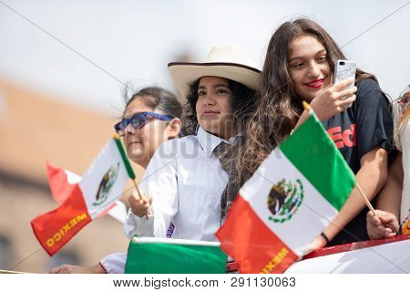 Chicago, Illinois , Usa - September 9, 2018 The 26th Street Mexican Independence Parade, Mexican Wom
