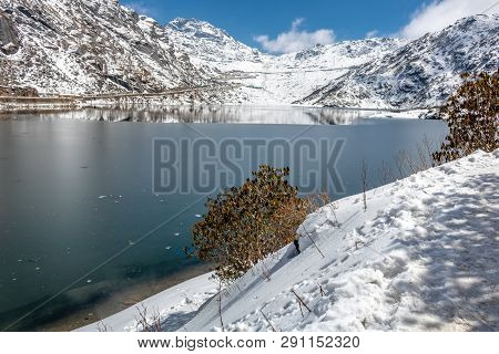 Tsomgo ( Changu ) Lake Going To Frozen, This Beautiful Himalayan Lake Obviously Fascinate You With A