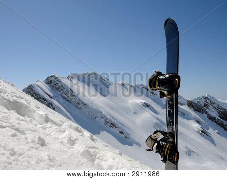 Mountains End Snowboard